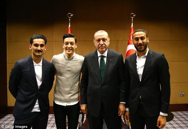 Erdogan iyo ciyaartoy Jarmal ah