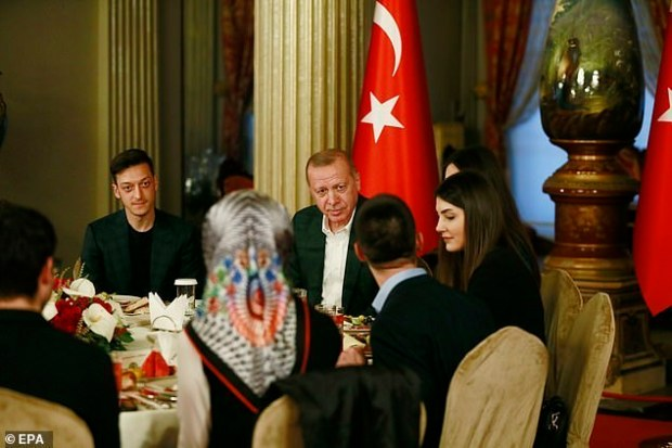 Ozil-Erdogan.jpg